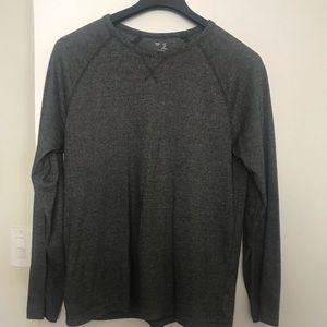 GAP Long Sleeve Gray Shirt